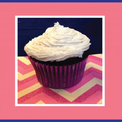 "Lauren and John, ""hot for food"" vegan bloggers, wish What She Said's producer Cassandra Happy Birthday with vegan chocolate cupcakes! Yummmy!!!"
